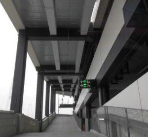 金城ふ頭駐車場スロープ