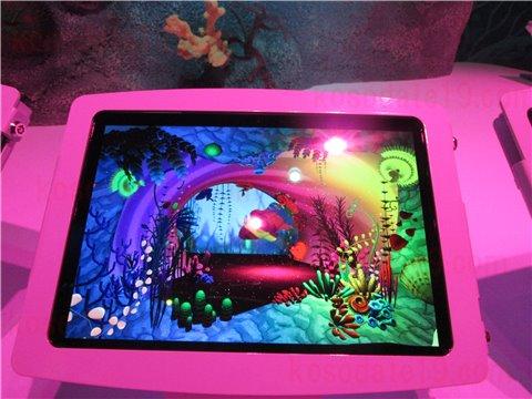 シーライフ名古屋のアメージング・クリエイション。海の生き物のイラストに色を塗って画面の水槽の中に、オリジナルの生き物を泳がせることができるゾーン。(SEALIFEレゴランドの水族館)5