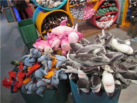 シーライフ名古屋のお土産・グッズ。お子さんには、ぬいぐるみやおもちゃがおすすめ1