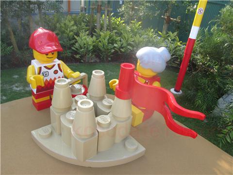 レゴ・シティ・ビーチ・パーティ人形